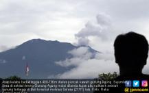 Abu Vulkanik Gunung Agung Serang Desa-desa - JPNN.COM