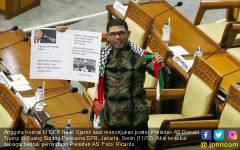 Anggota Komisi III DPR Nasir Djamil Gelar Aksi Protes Presiden AS - JPNN.COM