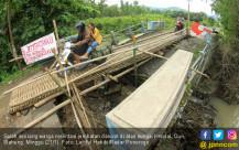 Jembatan Darurat Dipasang di Desa Duri - JPNN.COM
