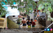 Kawasan Kampung Pulo Masih Terendam Banjir - JPNN.COM