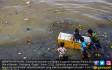 Sampah Hiasi Kawasan Pantai Utara Manado - JPNN.COM