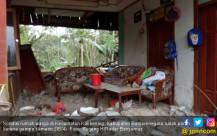 Gempa Banjarnegara Rusak Rumah Warga - JPNN.COM