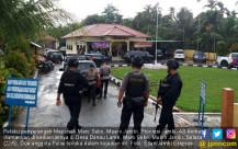 Polsek Diserang, Dua Anggota Terluka - JPNN.COM
