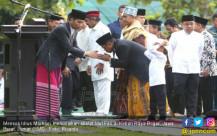 Mensos menunaikan Shalat Idul Fitri Di Kebun Raya Bogor - JPNN.COM