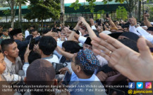 Usai Shalat Idul Fitri, Jokowi Diserbu Warga - JPNN.COM