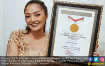 Siti Badriah Raih Penghargaan MURI - JPNN.COM