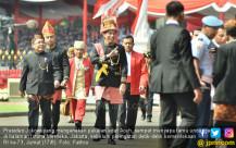 HUT RI ke 73, Jokowi Berpakaian Adat Aceh - JPNN.COM