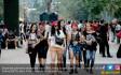 Fans Gun N Roses Serbu GBK - JPNN.COM