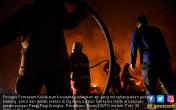 Kebakaran, Gudang Bawang Habis Tak Bersisa - JPNN.COM