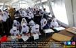 Pelajar Kota Palu Jalani Ujian di Tenda - JPNN.COM