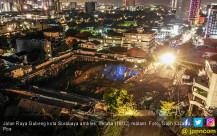 Selasa Malam, Jalan Raya Gubeng Amblas - JPNN.COM