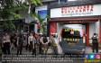 Polisi Jaga Ketat Rutan Kelas I Surakarta - JPNN.COM