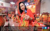Warga Tionghoa Sambut Imlek Penuh Sukacita - JPNN.COM