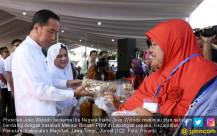 Presiden Jokowi Meninjau Nasabah Mekaar Binaan PNM - JPNN.COM