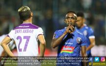 Arema FC Hajar Persita 6 - 1 - JPNN.COM