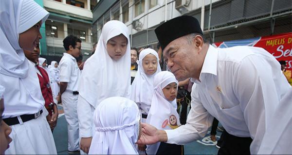 Mendikbud Sidak Hari Pertama Masuk Sekolah - JPNN.com