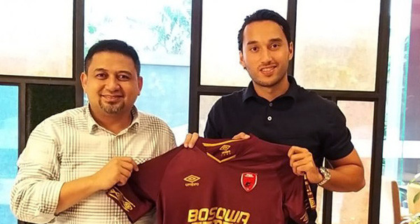 PSM Makassar Resmi Rekrut Ezra Walian - JPNN.com