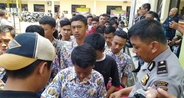 Hendak Ikut Unjuk Rasa, Pelajar Cianjur Diamankan - JPNN.com