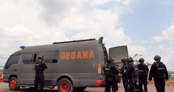 Tim Gegana Musnahkan Delapan Granat Aktif - JPNN.com