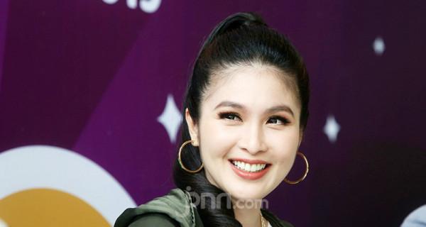 Sandra Dewi - JPNN.com