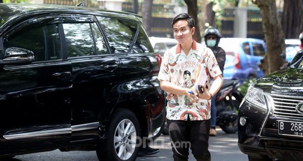 Gibran Sambangi Kediaman Megawati Soekarnoputri - JPNN.com