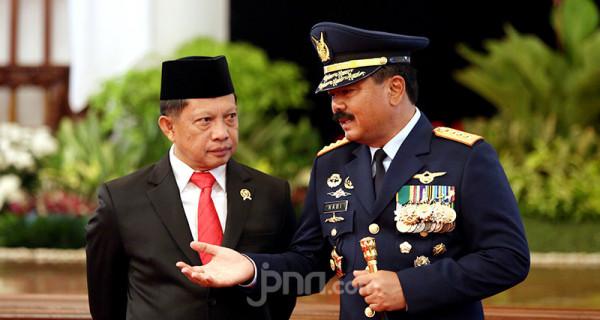 Mendagri Tito Karnavian dan Panglima TNI Marsekal Hadi Tjahjanto - JPNN.com