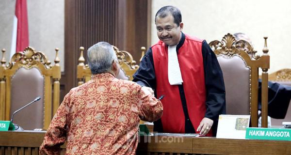 Hakim Vonis Bebas Sofyan Basir - JPNN.com