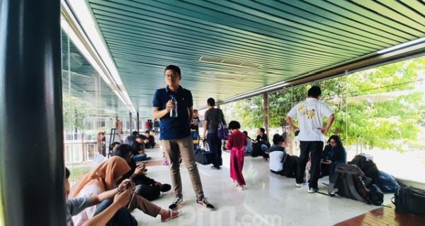 Ratusan Penumpang Sriwijaya Terlantar di Soetta - JPNN.com