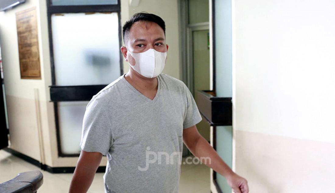 Vicky Prasetyo usai menjalani sidang di Pengadilan Negeri Jakarta Selatan, Jakarta, Kamis (5/8), dalam perkara pencemaran nama baik terhadap Angel Lelga. Foto: Ricardo/JPNN.com Foto: Ricardo - JPNN.com
