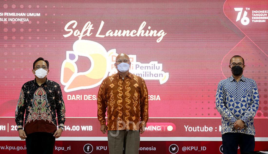 Ketua KPU Ilham Saputra saat meluncurkan Program Desa Peduli Pemilu dan Pemilihan 2021 di Gedung KPU RI, Jakarta, Jumat (20/8). Foto: Ricardo - JPNN.com