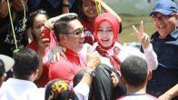 Lihat Nih..Ridwan Kamil Ikut Lomba 17-an Sampai Gotong-gotong Istri - JPNN.COM