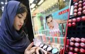 3 Bahaya di Balik Penggunaan Kosmetik Setiap Hari - JPNN.COM