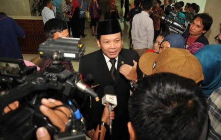 DPR Dukung Gerakan Nasional Non-Tunai - JPNN.COM