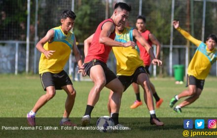 Kesempatan Arema FC Menggeser Posisi Persija - JPNN.COM