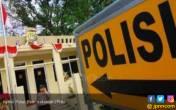 Briptu Hari Terima SMS, Pesannya Ada Bom di Polsek Tanara - JPNN.COM