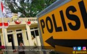 Mobil Staf Khusus Gubernur Kepri Dirusak OTK - JPNN.COM