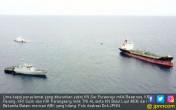 Dua Kapal Tabrakan di Selat Singapura, Lima ABK Hilang - JPNN.COM