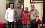 Lukas Bantah Pertemuan dengan Tito dan BG soal Pilgub Papua - JPNN.COM