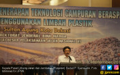 Manfaatkan Limbah Plastik untuk Pembangunan Jalan - JPNN.COM