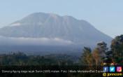 Status Gunung Agung Siaga, Warga Mengungsi - JPNN.COM