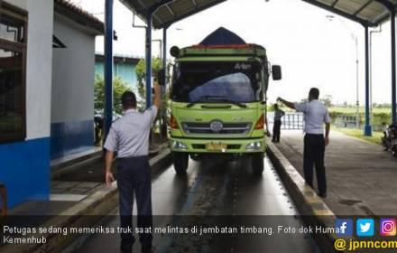 Angkutan Barang Overload jadi Biang Kerok Kecelakaan? - JPNN.COM