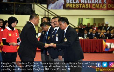 Mabesad Raih Juara Umum Kejurnas Karate Piala Panglima TNI - JPNN.COM