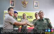 Gara-Gara Ulah Anggota, Wakapolda Kepri Minta Maaf ke TNI - JPNN.COM