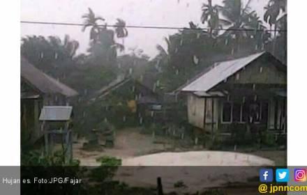 Fenomena Hujan Es Terjadi di Jatim - JPNN.COM