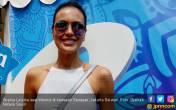 Menjaga Kebugaran Raga Ala Sophia Latjuba - JPNN.COM