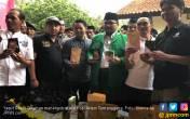 Ketua Umum GP Ansor Cicipi Kopi Barista Naker - JPNN.COM