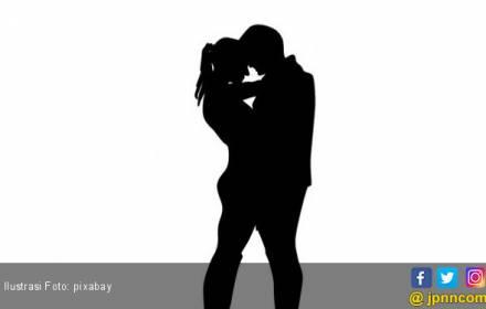 Heboh Video Istri Gerebek Suami di Kamar Hotel - JPNN.COM