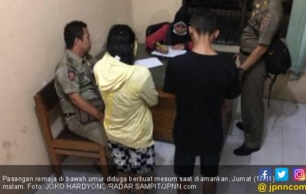 Masuk ke Kamar Kos Pacar, Lampu Dimatikan, Eh Sudah Melorot - JPNN.COM
