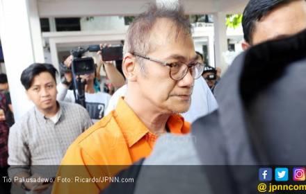 Tio Pakusadewo Optimistis Bakal Dihukum Rehabilitasi - JPNN.COM