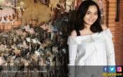 Pengacara Cantik Ini Kolektor Batik dan Kain Tradisional - JPNN.COM